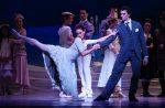 Kevin Jackson & Madeleine Eastoe in Swan Lake - The Australian Ballet -