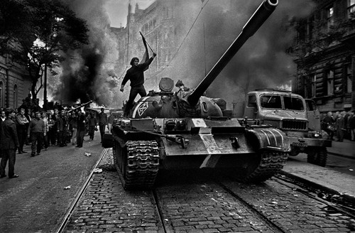Prague, 1968. Photo courtesy Art Institute of Chicago, promised gift of private collector. © Josef Koudelka/Magnum Photos