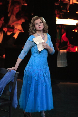 Renee Fleming as Blanche DuBois. (Photo: Robert Millard)