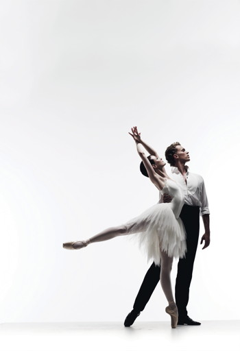 The Australian Ballet Amber Scott and Adam Bull in Swan Lake. Photo by Liz Ham.