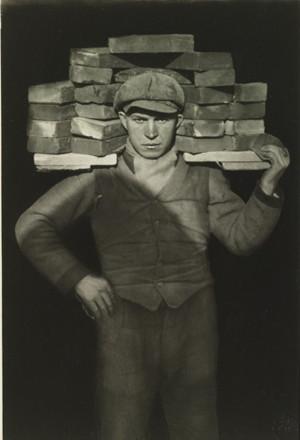 AUGUST SANDER, Handlanger, Porteur de Briques (The Bricklayer), 1927. Estimate $350,000-500,000 © 2014 DIE PHOTOGRAPHISCHE SAMMLUNG / SK STIFTUNG KULTUR - AUGUST SANDER ARCHIV, COLOGNE / ARS, NY. Image courtesy of Sotheby's.