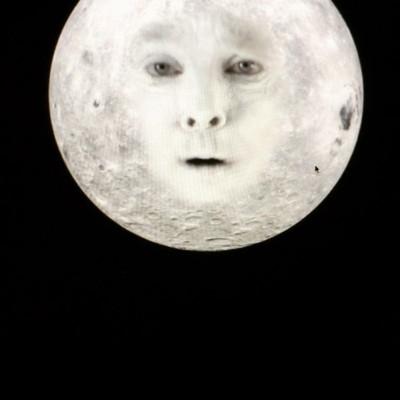 Ded moon