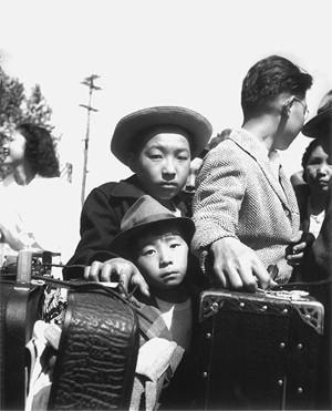 young-evacuees-manzanar-skirball