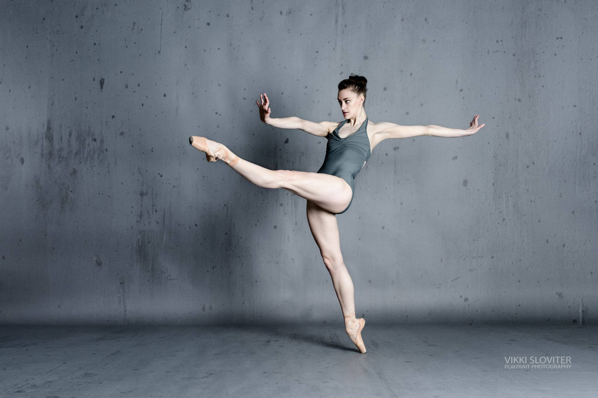Complexions Contemporary Ballet's Jillian Davis (photo by Vikki Sloviter Photography)